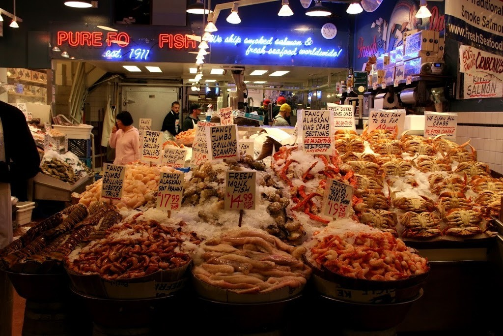 Pike Place Market - Throwing Fish