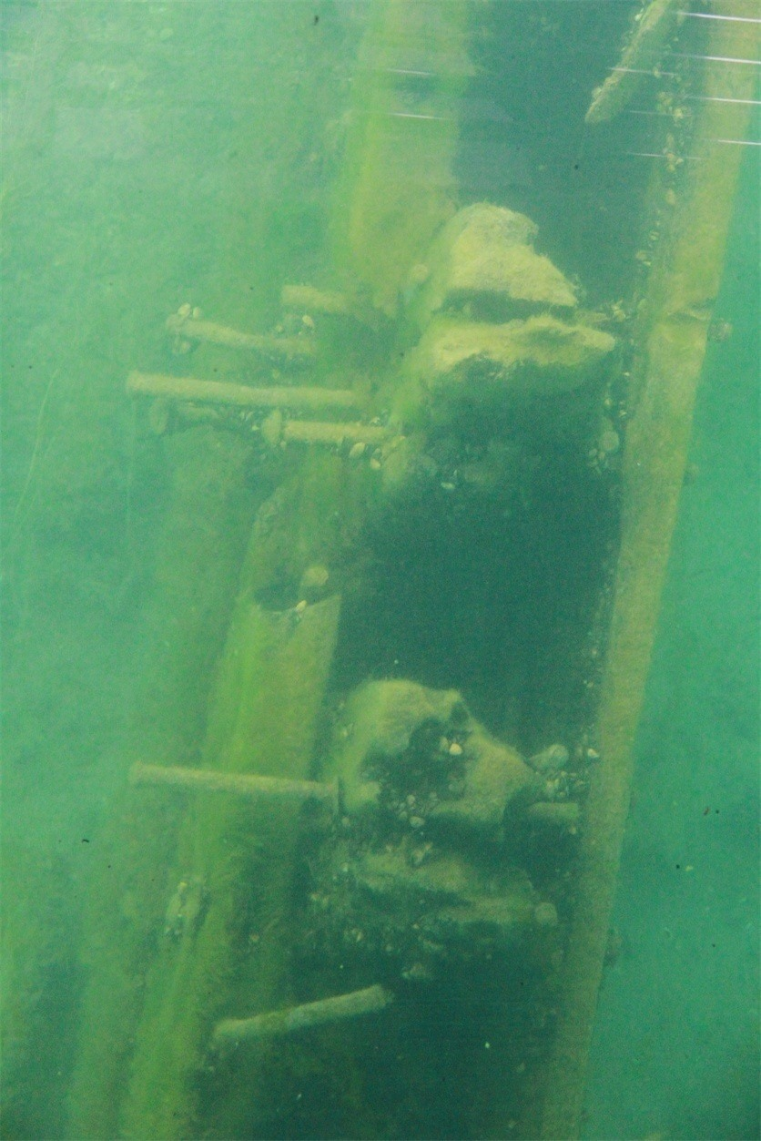 The walls of a shipwreck in Thunder Bay