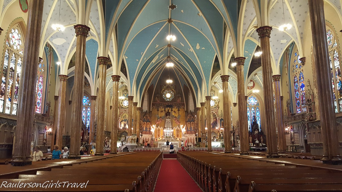 Nave & Sanctuary of St. Albertus Polish Church