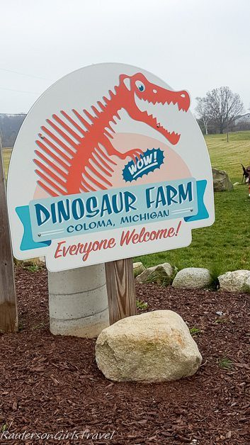 Dinosaur Farm Sign in Columa Michigan