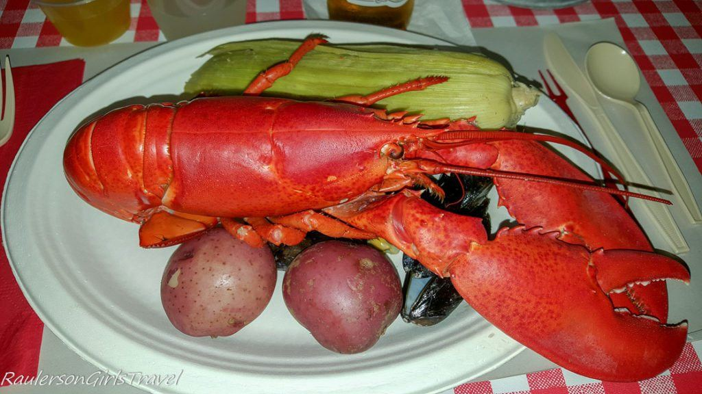 Lobster Dinner at Fosters Clambake in Maine