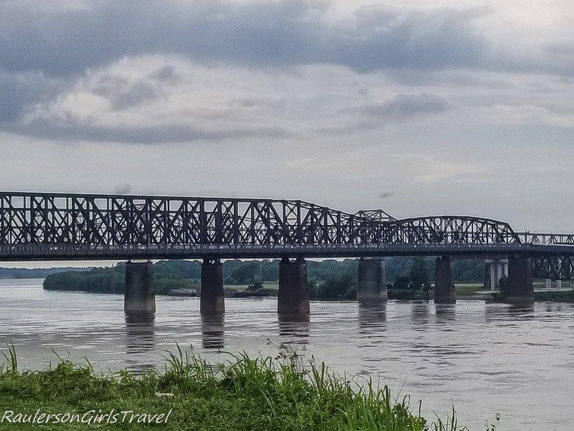 Big River Crossing pedestrian bridge