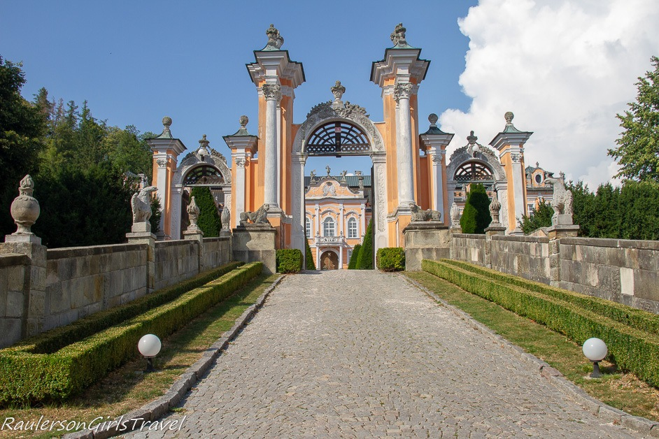 Nové Hrady Chateau entrance