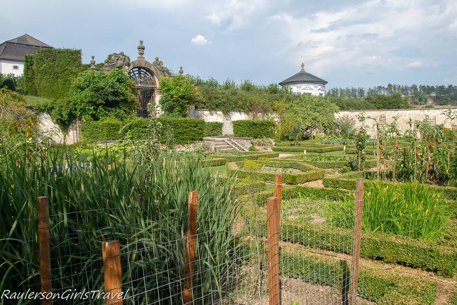 Nové Hrady Chateau garden