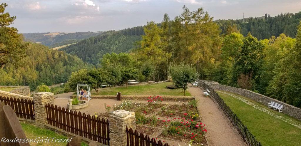 Hrad Svojanov gardens