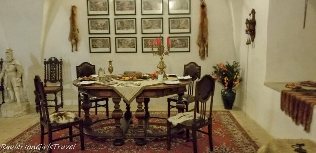 Hrad Svojanov dining area