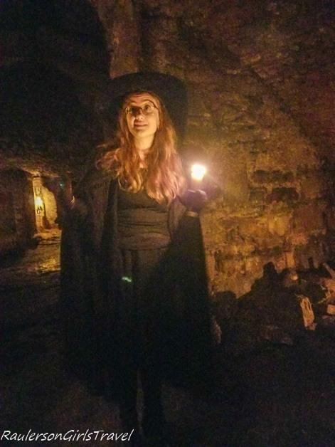 Ruth - Tour guide Edinburgh Ghost Tours