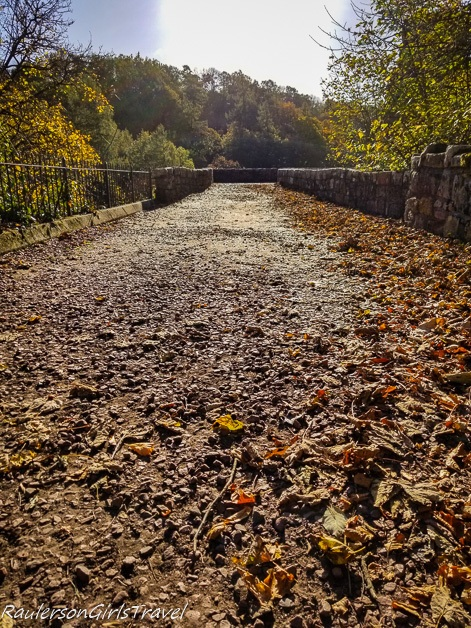 driveway to Rosslyn Castle