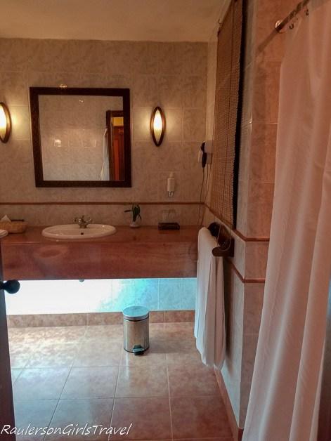 Arusha Serena Hotel Bathroom