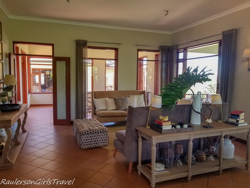 Acacia Farm Lodge Lobby
