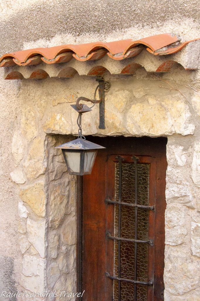 door and lantern in Èze Village