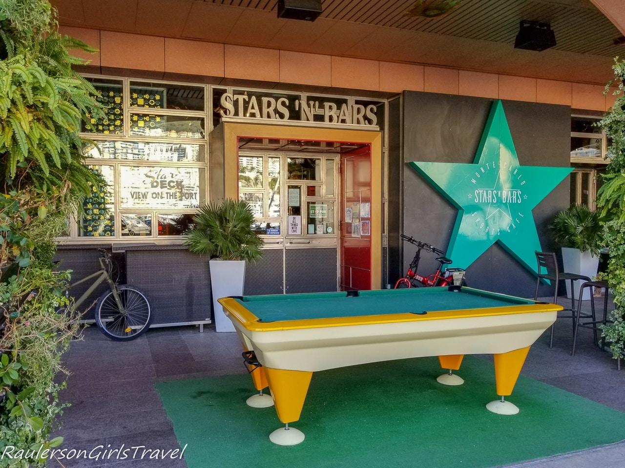 Stars 'n' Bars Restaurant