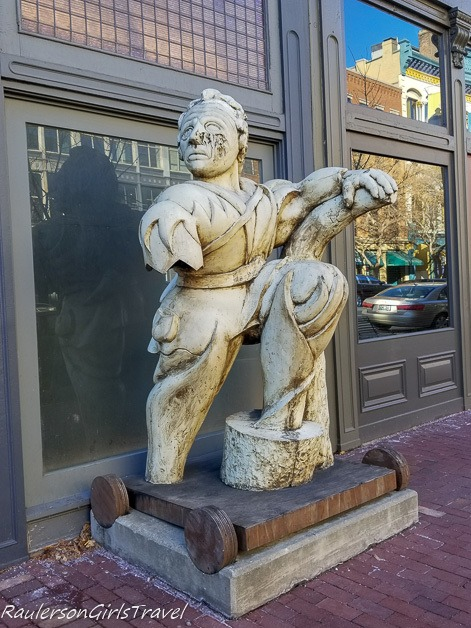 Statue in downtown Louisville