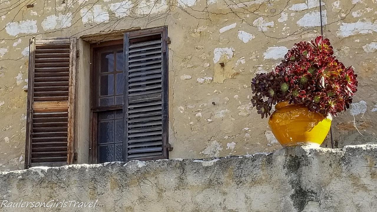 window in Saint-Paul de Vence