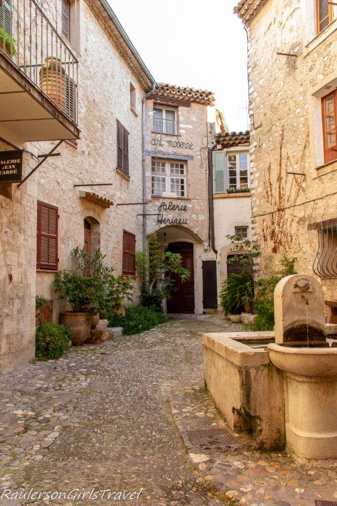 courtyard in Saint-Paul de Vence