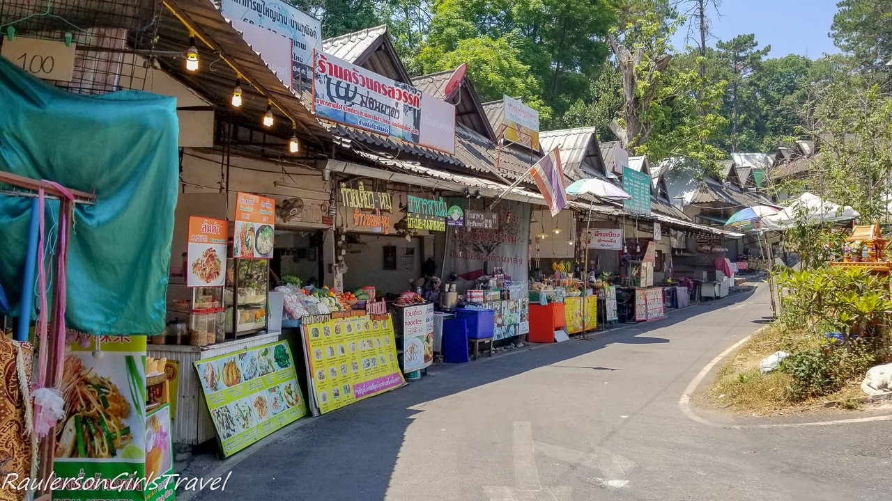 Food Stalls outside Bhubing Palace