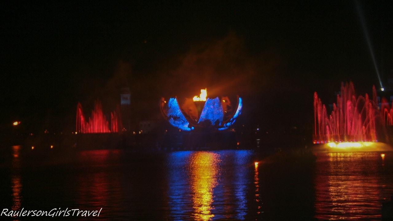 Disney Illuminations Earth Globe opening up