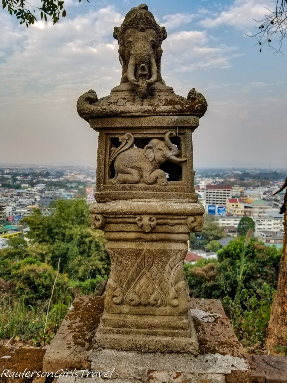 Elephant column at Mae Sai Overlook