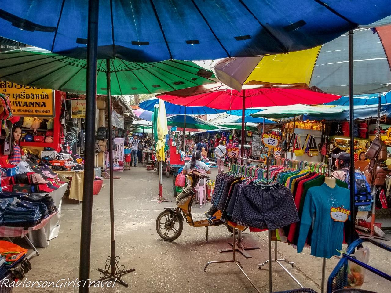 Tar Lot Market