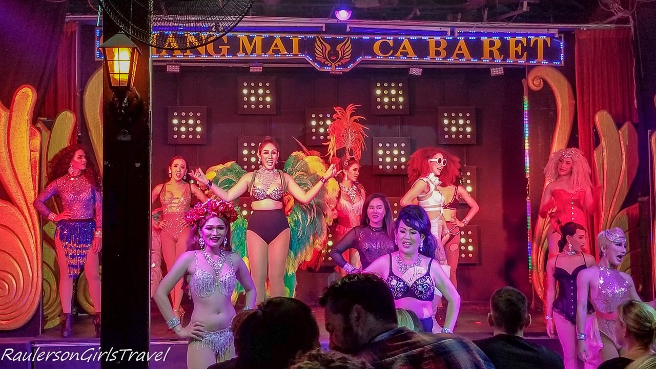 Chiang Mai Cabaret performers