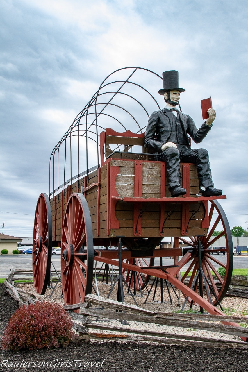 Worlds Largest Covered Wagon with Lincoln