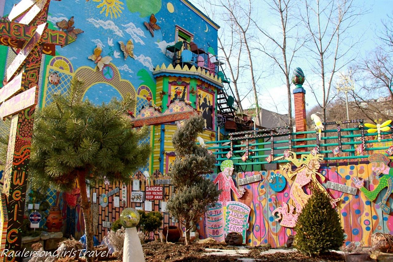 Randyland outdoor murals