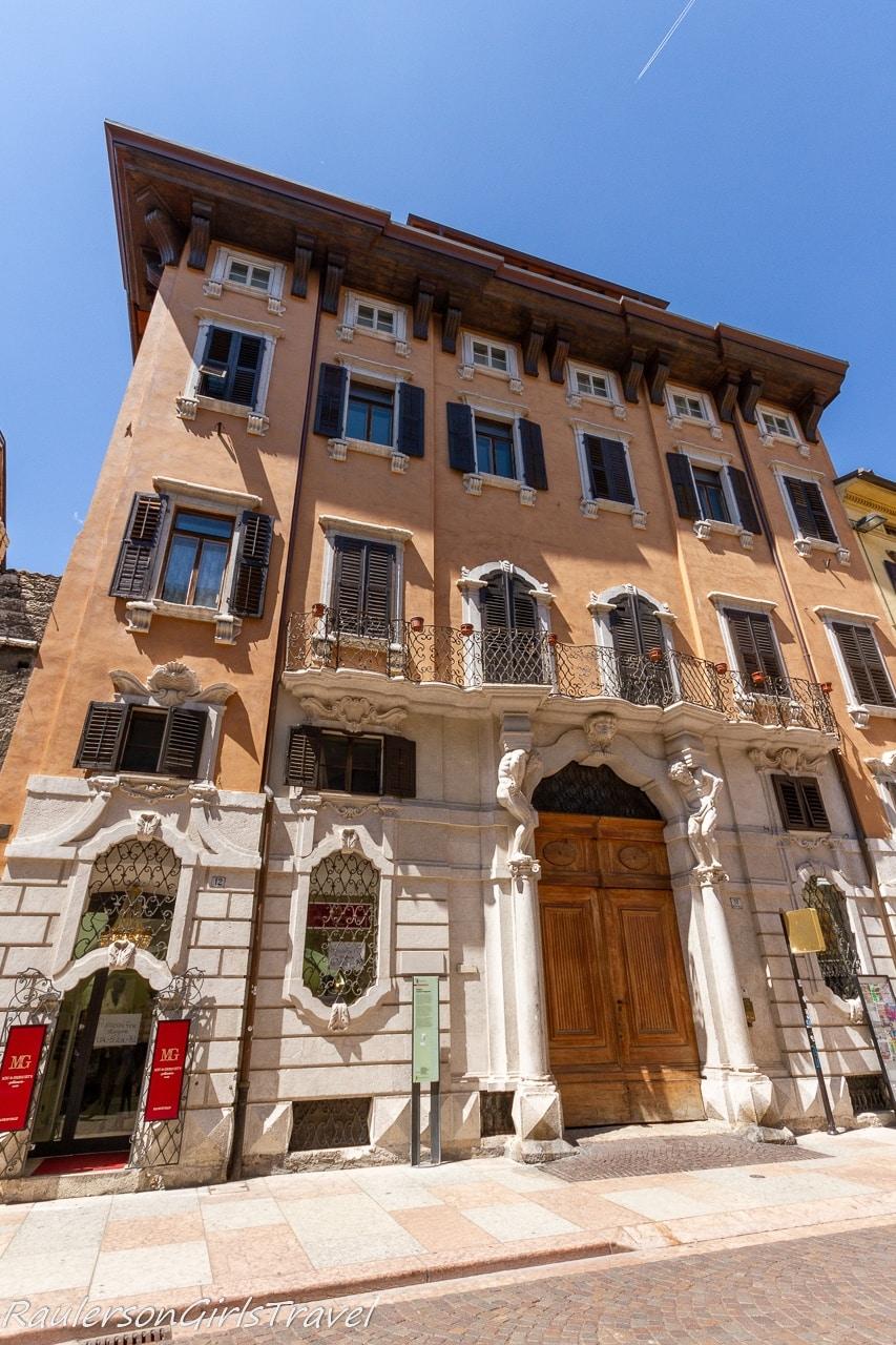 Palazzo Larcher Fogazzaro