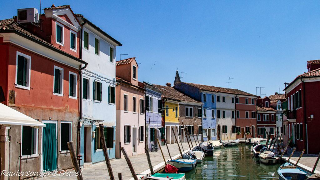Colorful Fisherman Houses in Burano 2