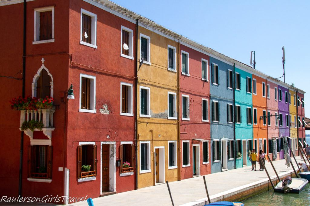 Colorful houses in Burano 2