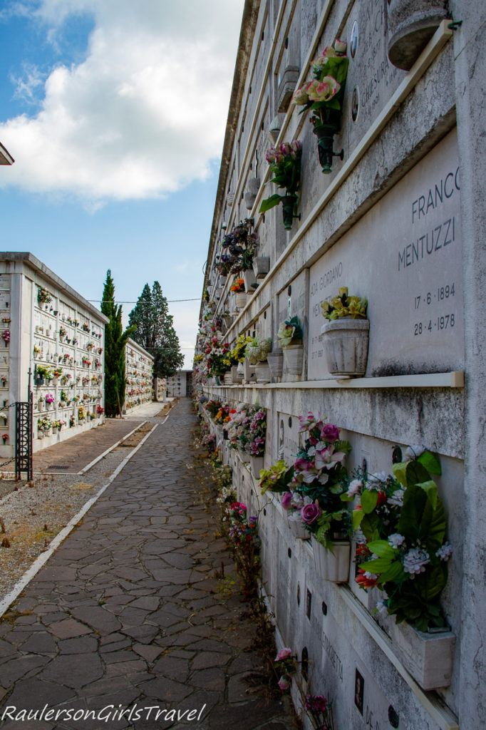 Graves at San Michele 3