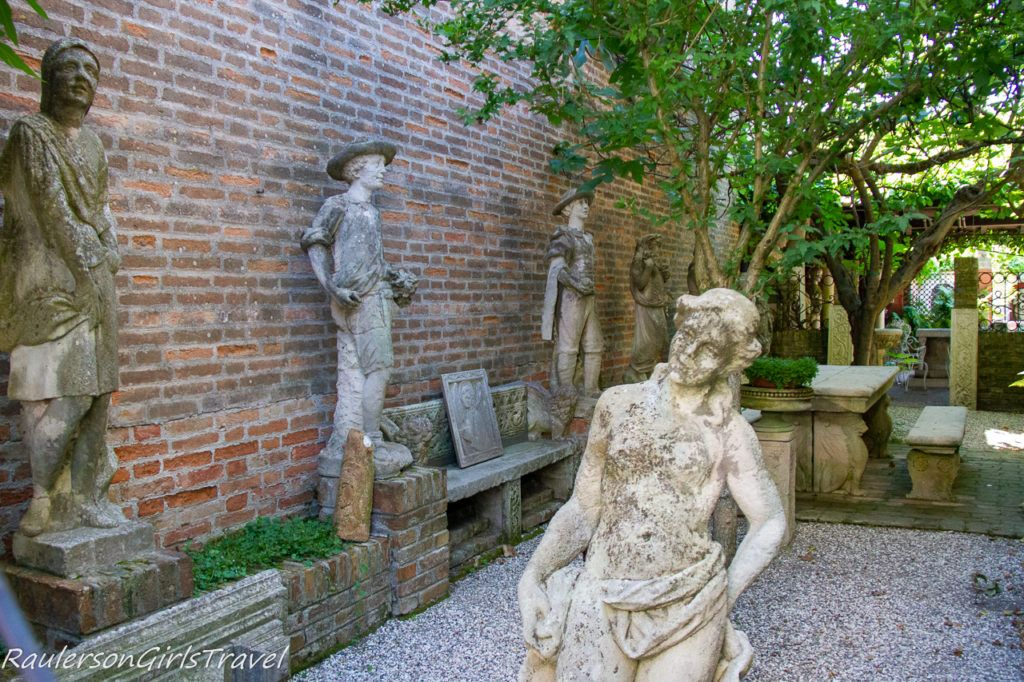 Statues on Torcello