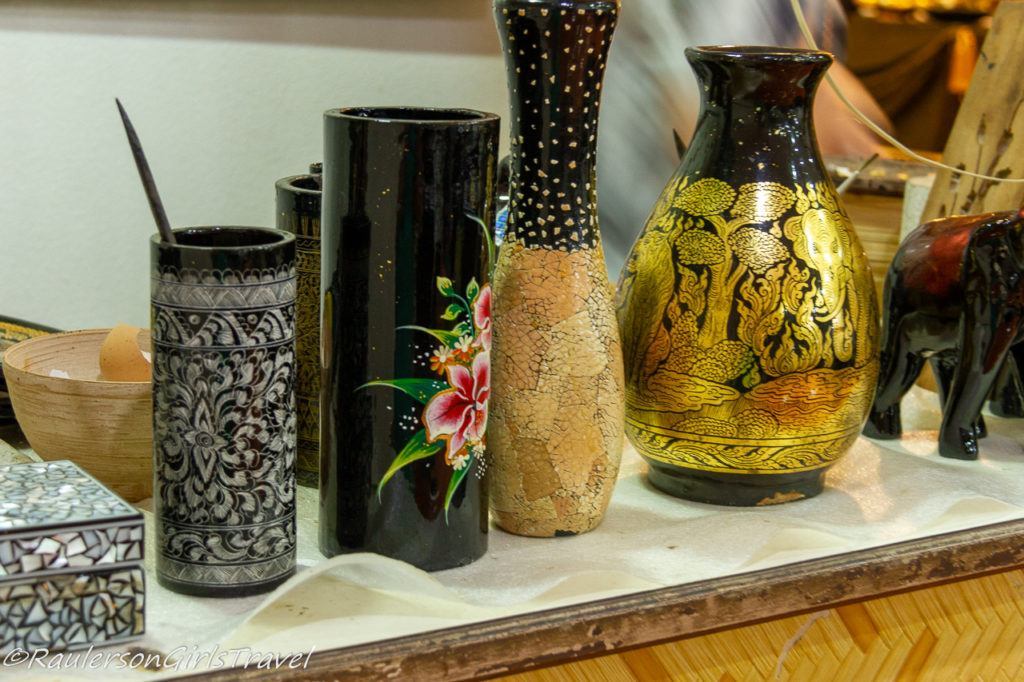 Lacquer-Ware made in Thailand - Bo-Sang Handicraft Village