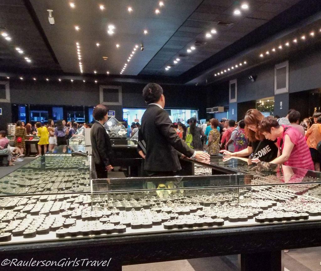 Gems Gallery Showroom - Bo-Sang Handicraft Village