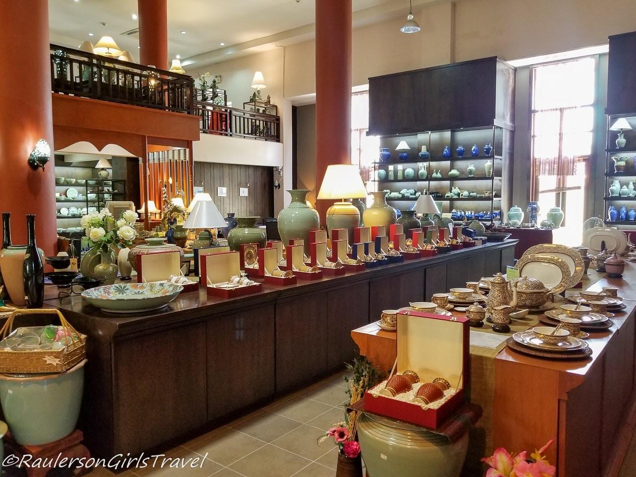 Siam Celadon Pottery - Bo-Sang Handicraft Village