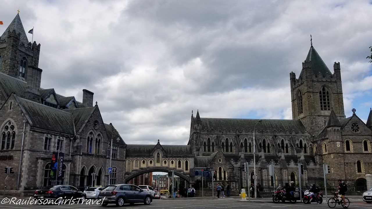 Dublina and Christ Church Cathedral in Dublin