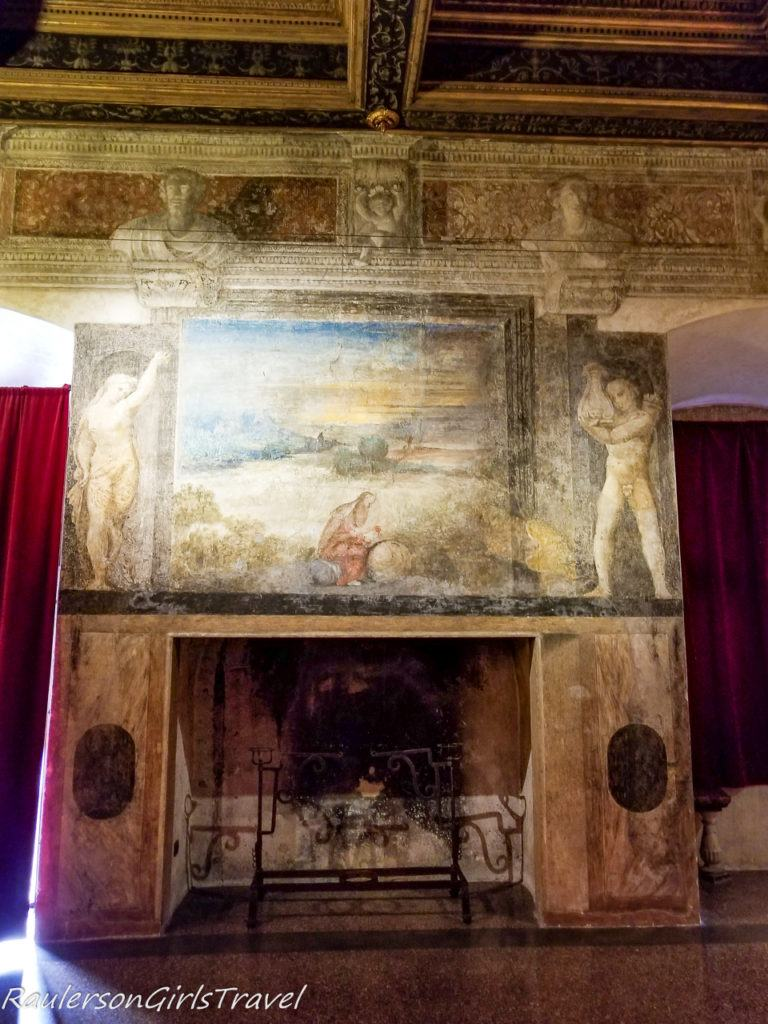 Fireplace and frescoes in Buonconsiglio Castle