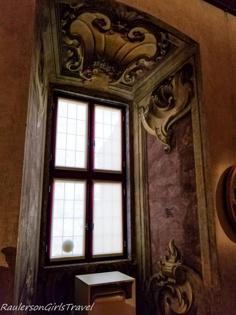 Frescoes painted in the window alcove in Buonconsiglio Castle