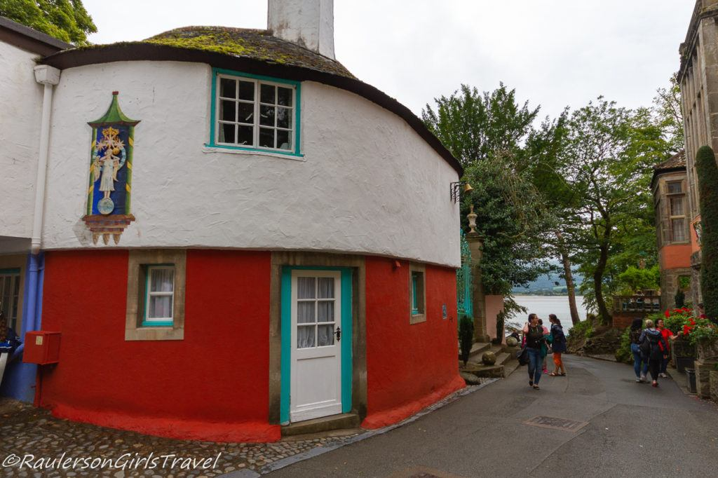 Angel Self-Catering Cottage in Portmeirion Village