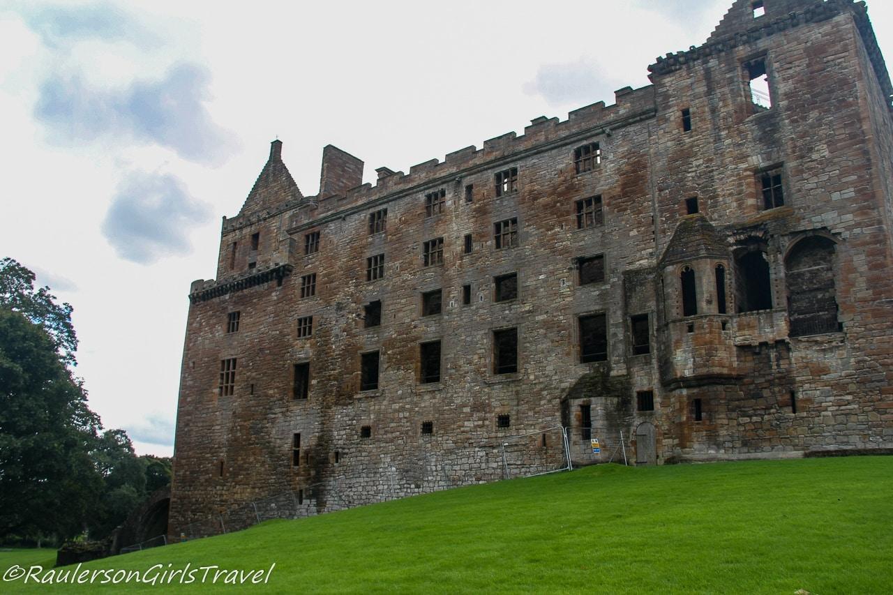 Back of Linlithgow Palace - Outlander Tour Scotland