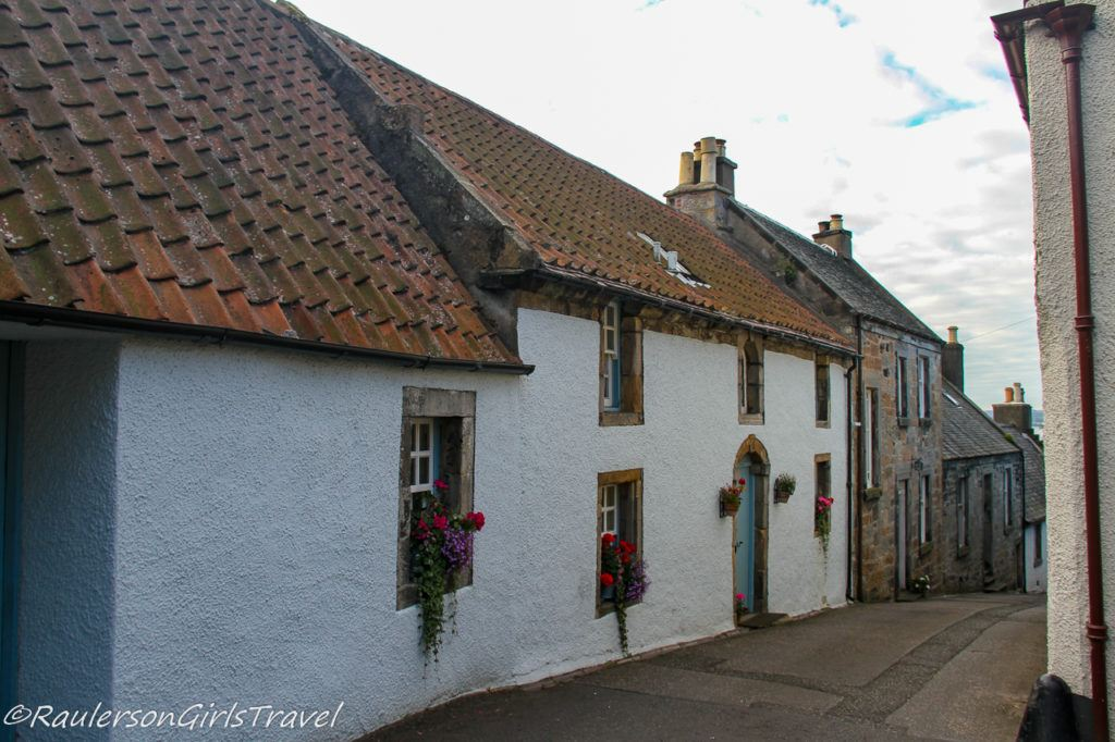 House in Culross - Outlander Tour Scotland
