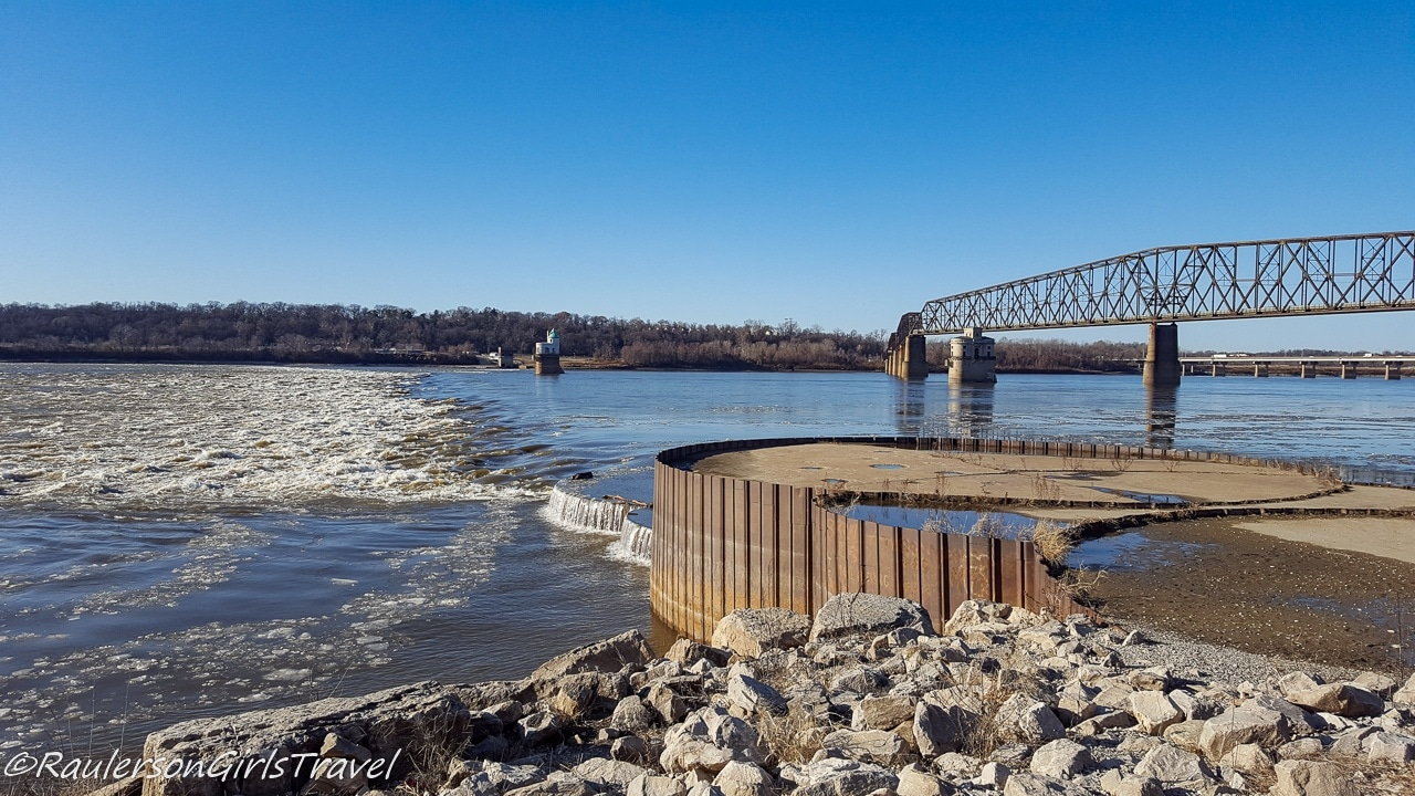 The Illinois scenic view point for the Chain of Rocks Bridge and Mississippi River