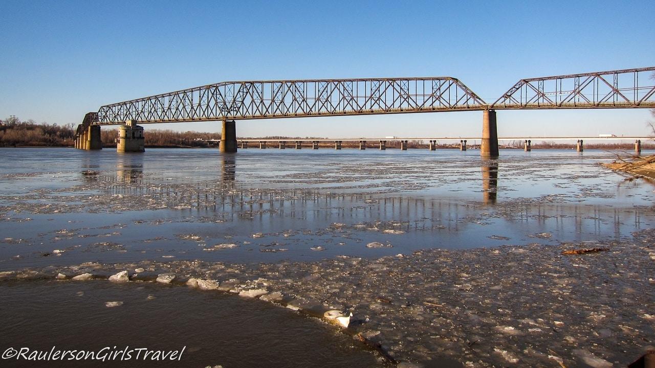 Chain of Rocks Bridge spanning the Mississippi River