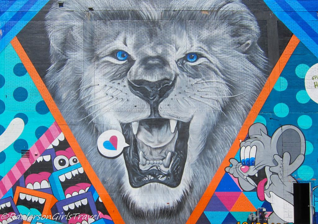 2016 Murals in the Market - lion and mouse