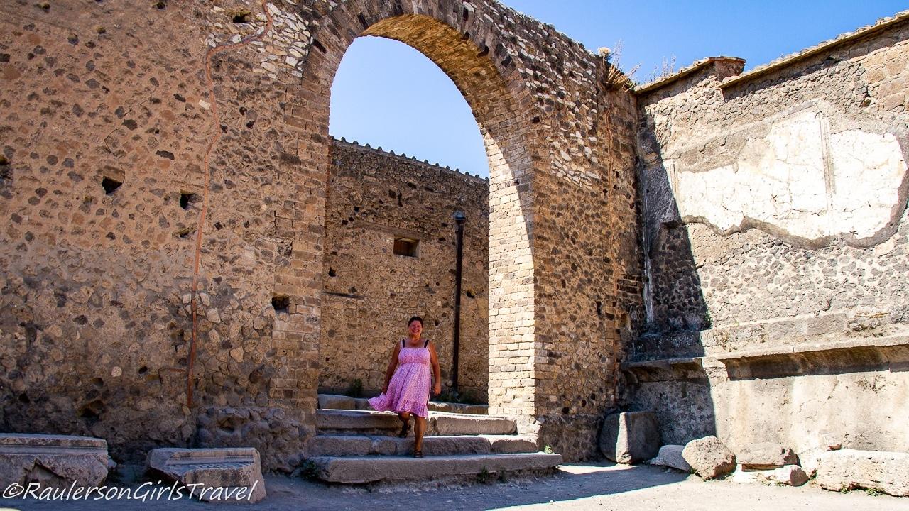 Heather in Pompeii - Rome to Pompeii