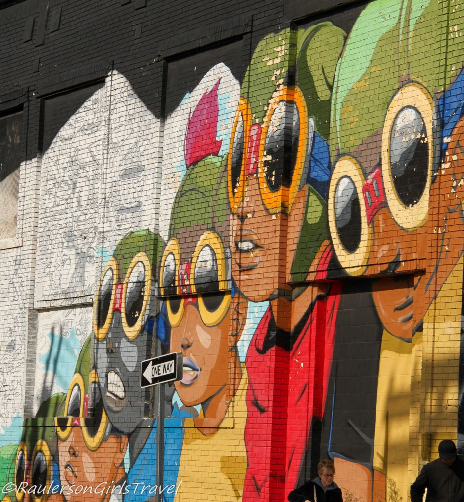 2015 Murals in the Market - kids with aviator glasses