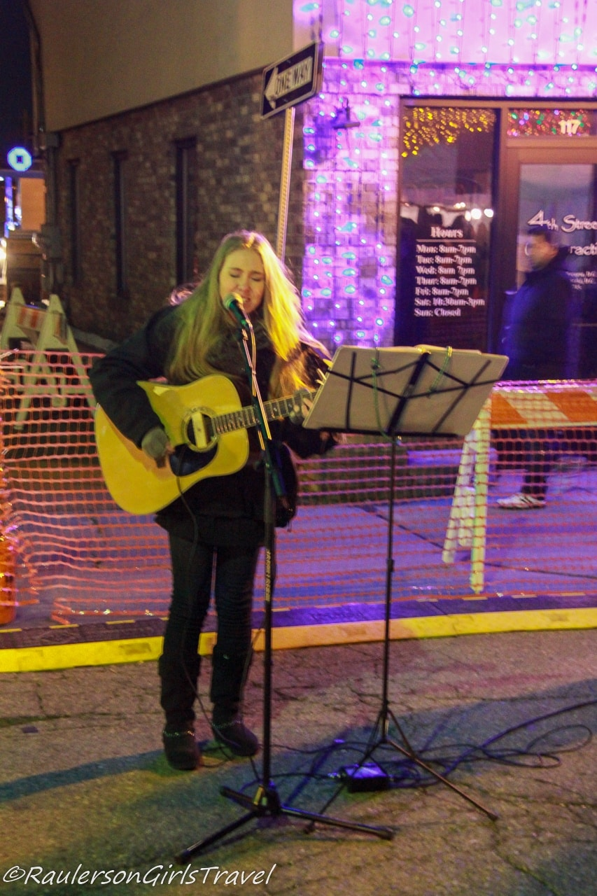 Musician at Kris Kringle Market
