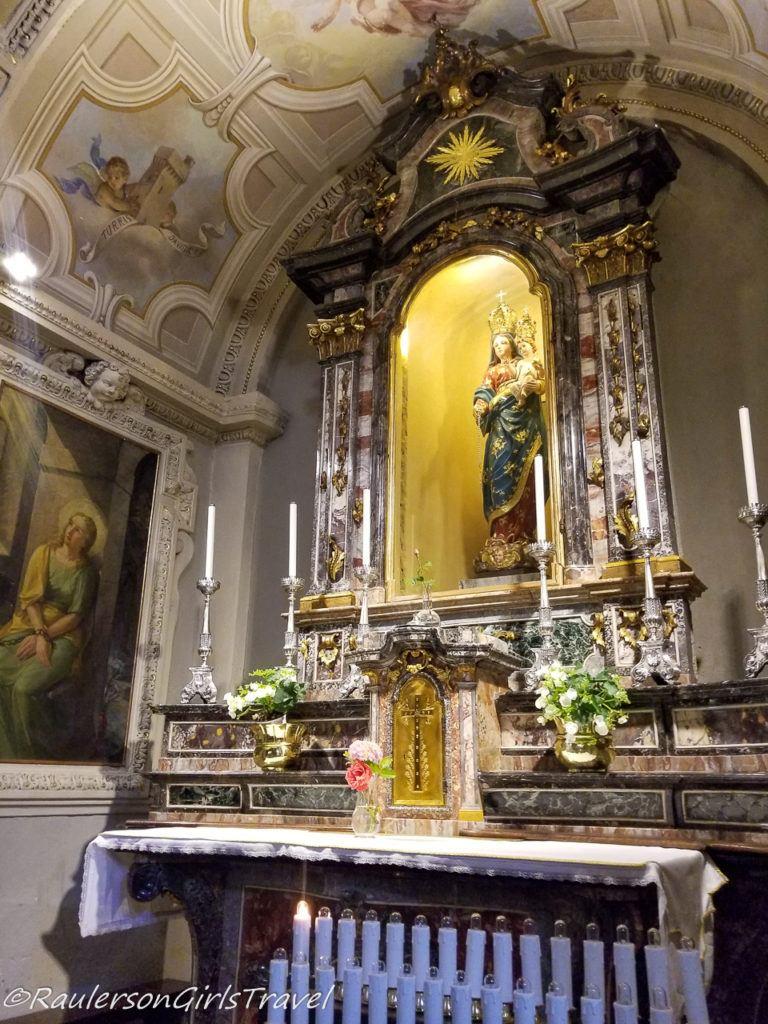 Side Altar in Chiesa di Sant' Andrea Apostolo
