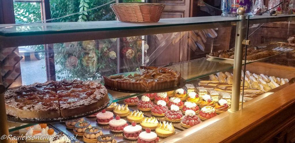 Pastries at Au Pain de mon Grand Pere