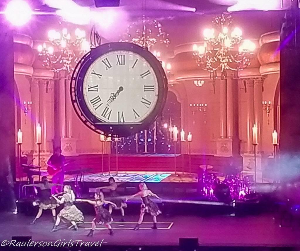 Lindsey Stirling concert - clock