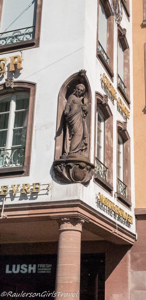 Statue in niche in Strasbourg building